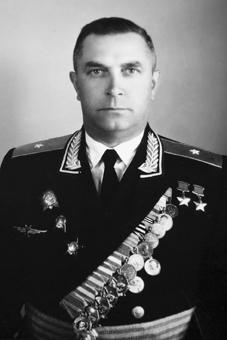 Дважды Герой Советского Союза Кузнецов Михаил Васильевич