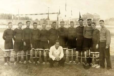 Футбольная команда Дормаша 1947 год. Фото из архива завода
